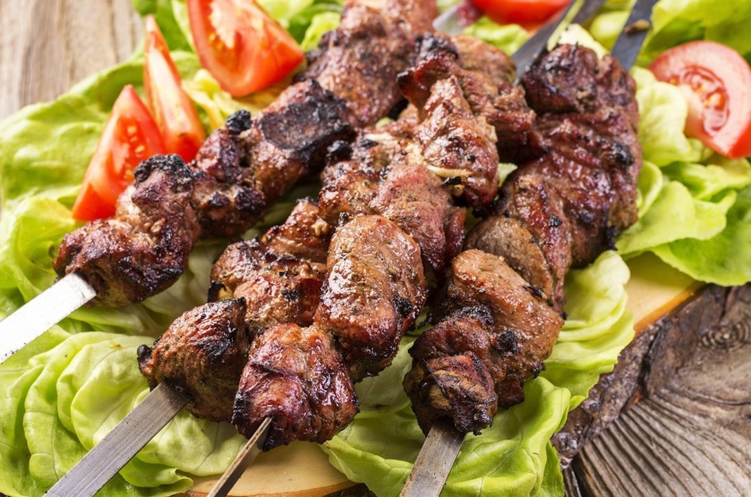 barbecued lamb with wine