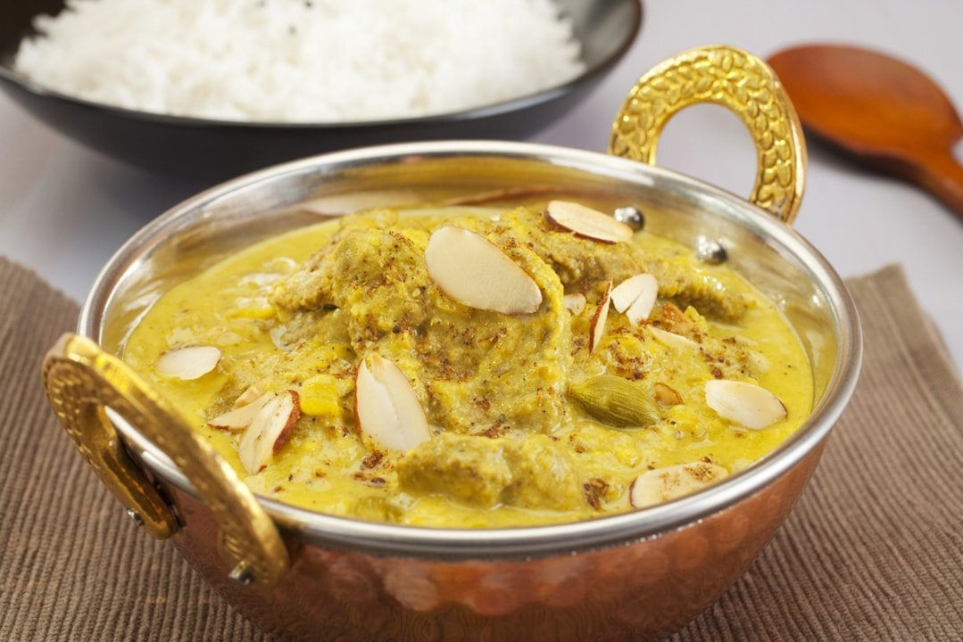 lamb curry cream based with wine