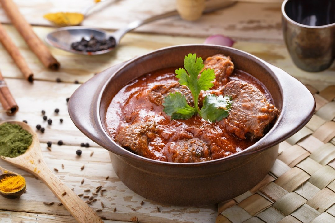 What wine to drink with lamb curries?